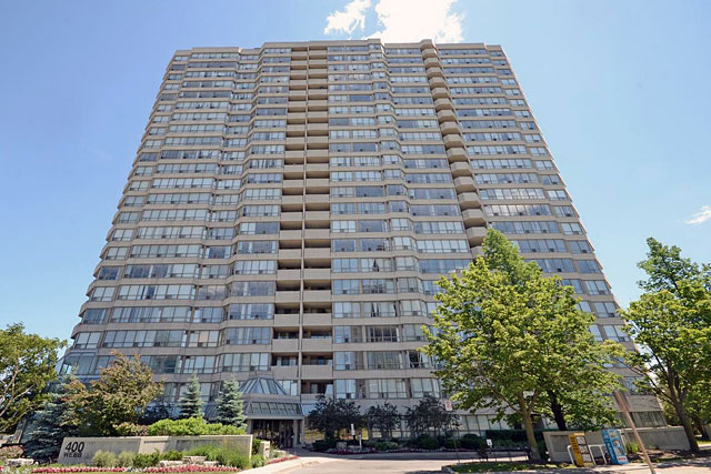 Centre IV Condos at 400 Webb Drive, Mississauga
